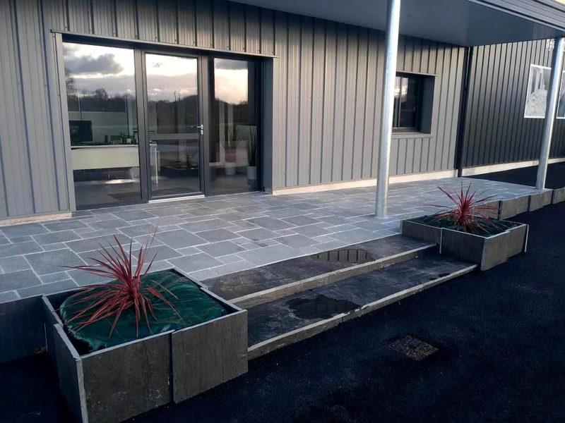 Terrasse extérieure en dalle